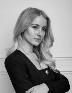 Justine                          De Salamille
